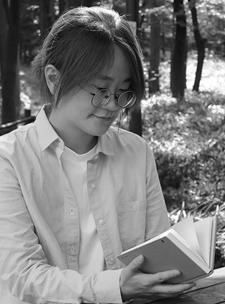 김혜진 (1983~ )